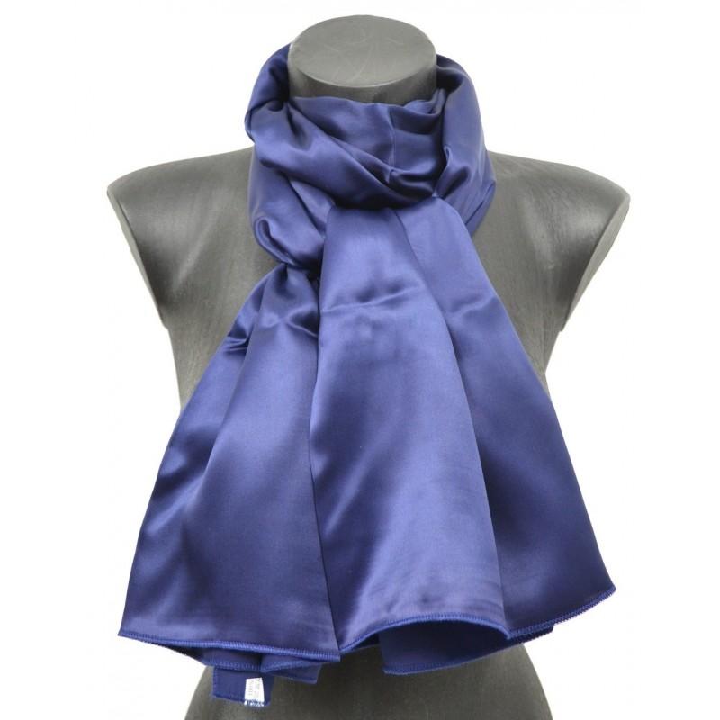 Echarpe en soie bleu marine