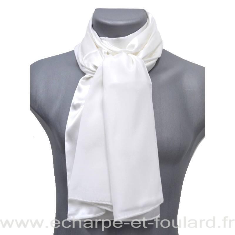 Echarpe en soie blanche