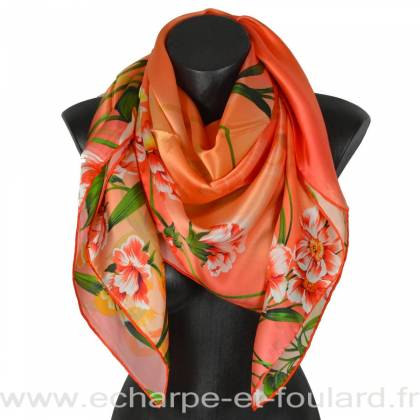 Grand carré de soie orange à fleurs