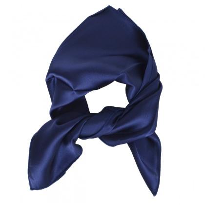 Carré en soie bleu marine