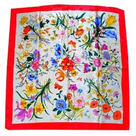Carré soie fleurs rouge