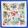 Carré soie fleurs bleu