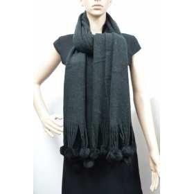 Longue écharpe noire à pompons